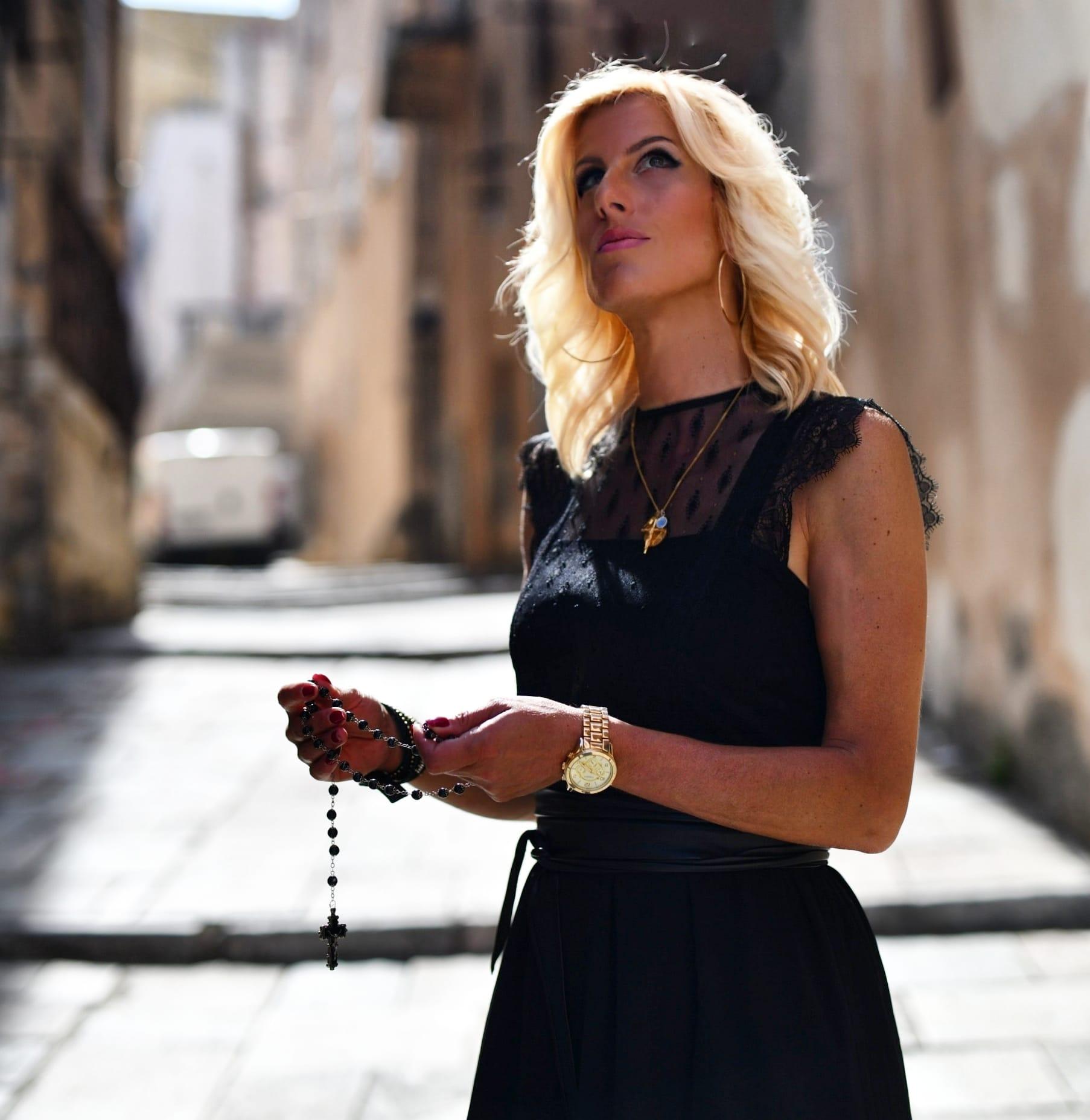 Sophie Vitali médium et voyante corse reconnue pour sa spiritualité et ses dons de voyance.
