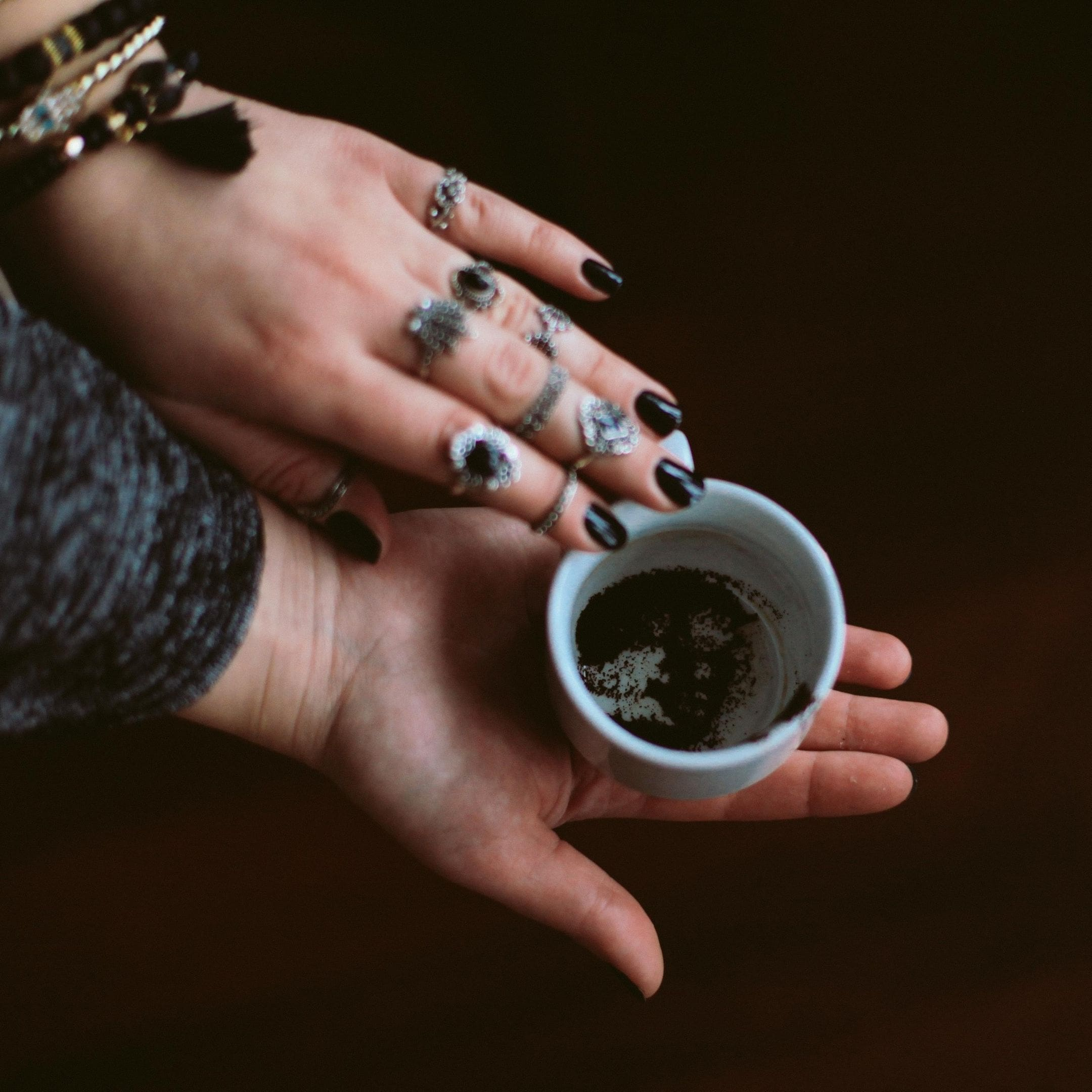 La cafédomancie / Infinità corse Voyance
