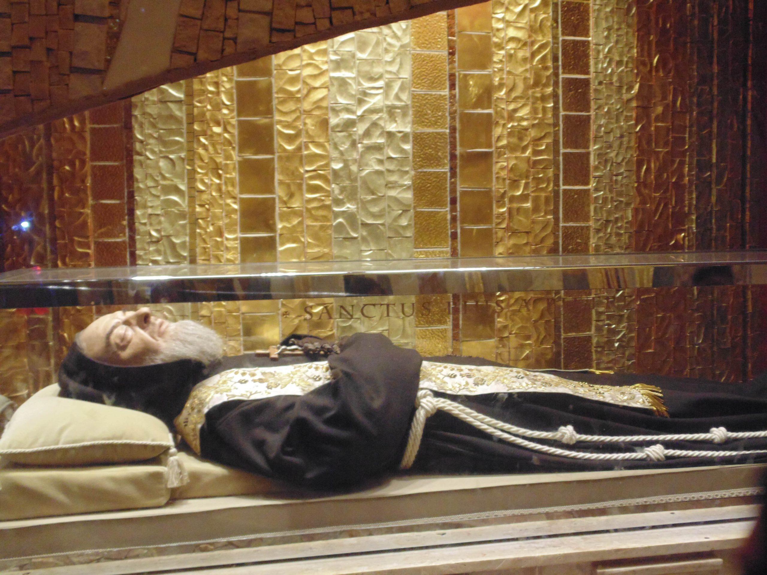 Les reliques de Padre Pio / Infinità corse Voyance