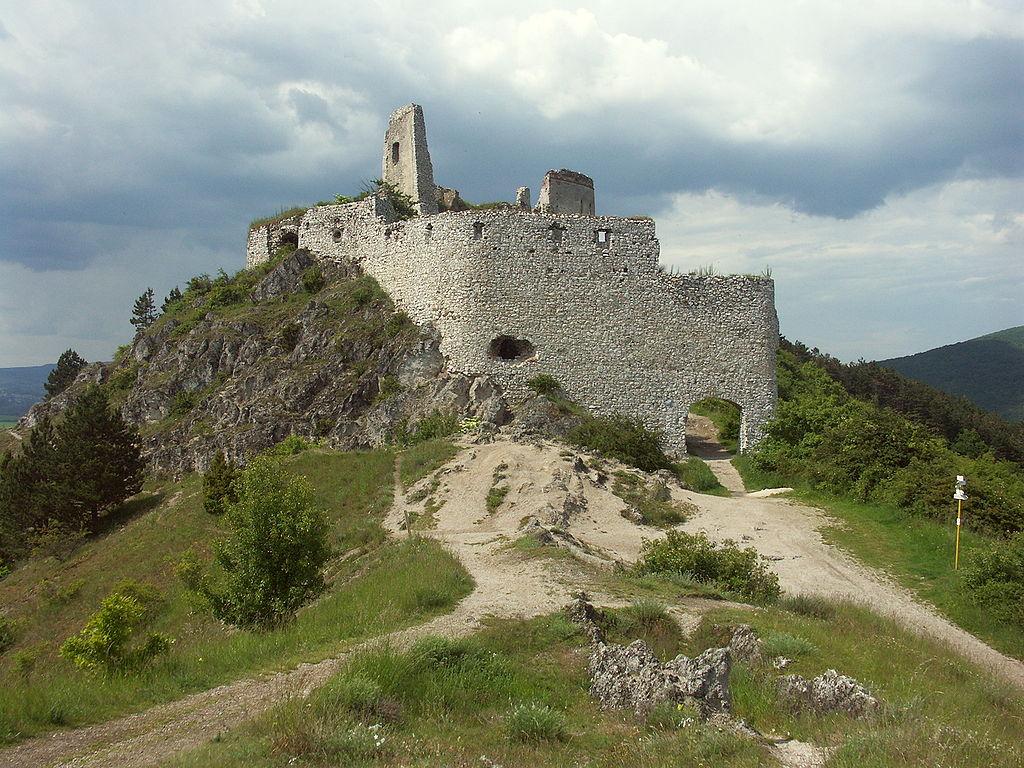 le chateau de Cachtice d'Erzsebeth Bathory