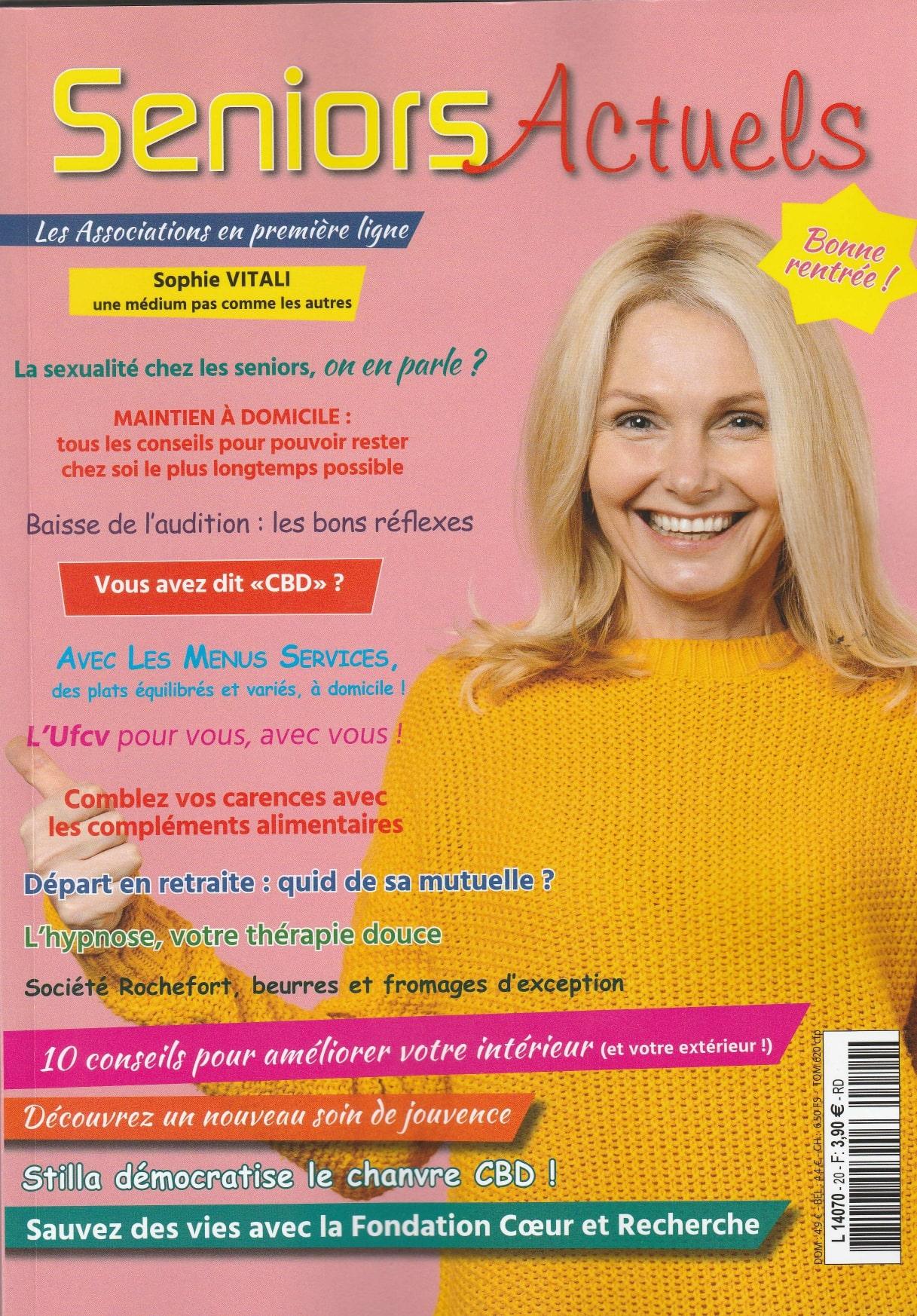 Sophie Vitali célèbre médium et animatrice radio en interview dans le magazine Séniors Actuels